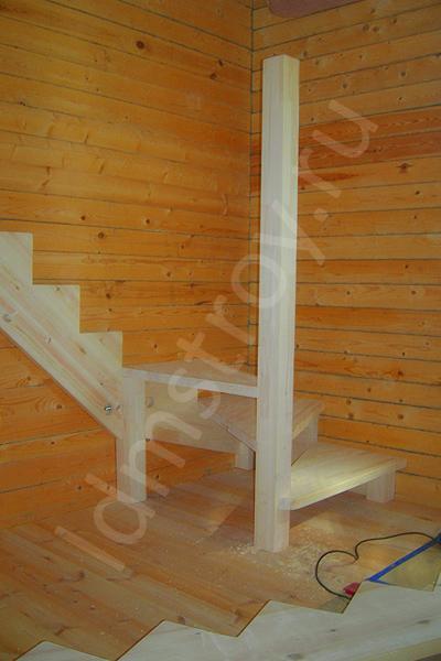 Шаг №4 монтажа деревянной лестницы