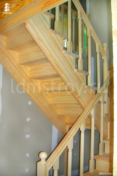 Шаг №5 монтажа лестницы с площадкой
