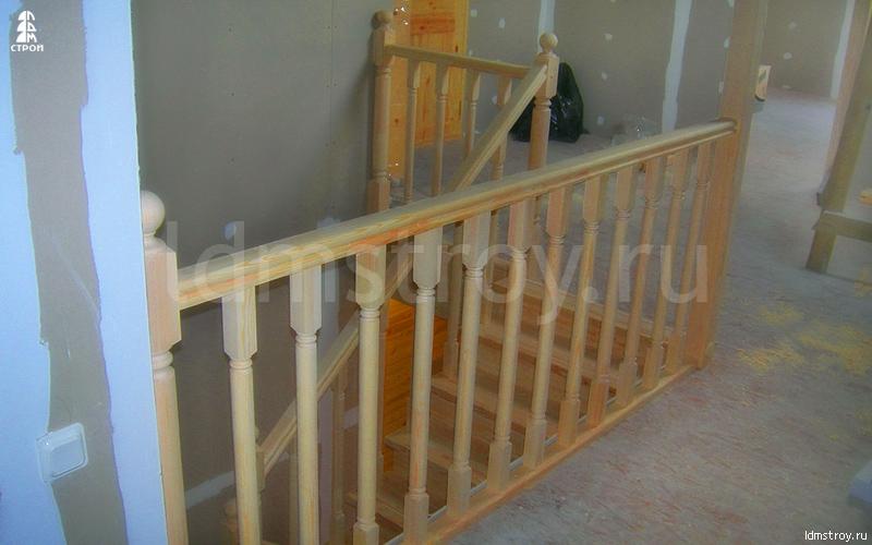 Шаг №6 монтажа лестницы с площадкой