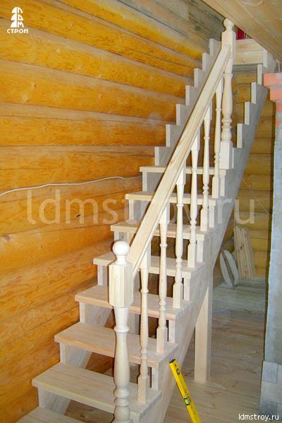 Шаг №5 установки деревянной лестницы