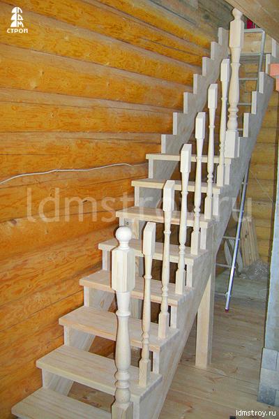 Шаг №4 установки деревянной лестницы