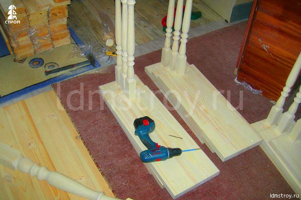 Шаг №3 установки деревянной лестницы