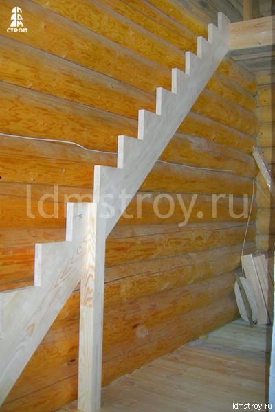 Шаг №1 установки деревянной лестницы
